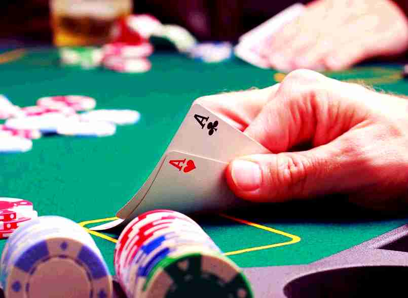Holdem poker online casino game
